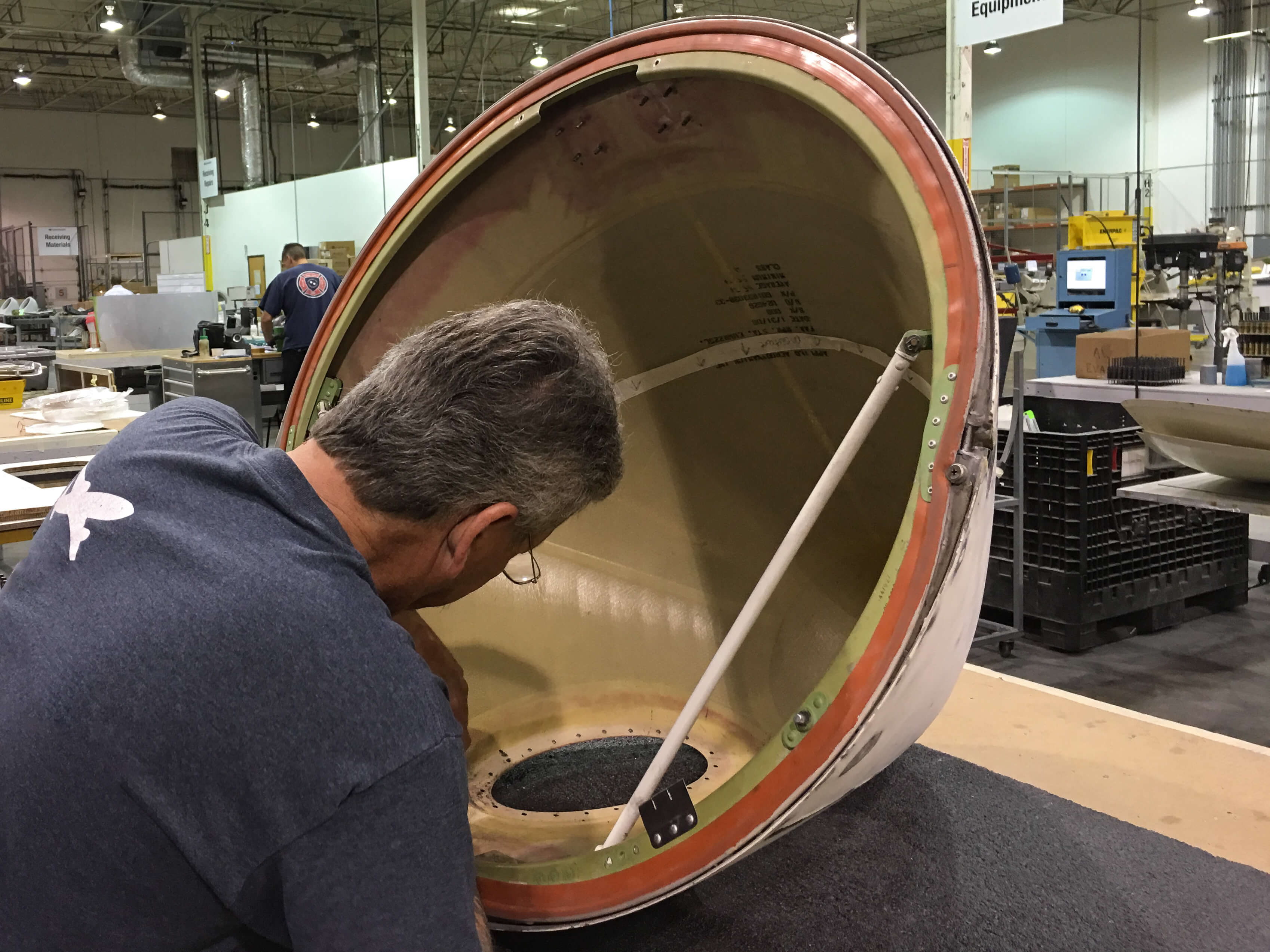 Cleaning the inside of a CJR 100/200 Radome before installing lens