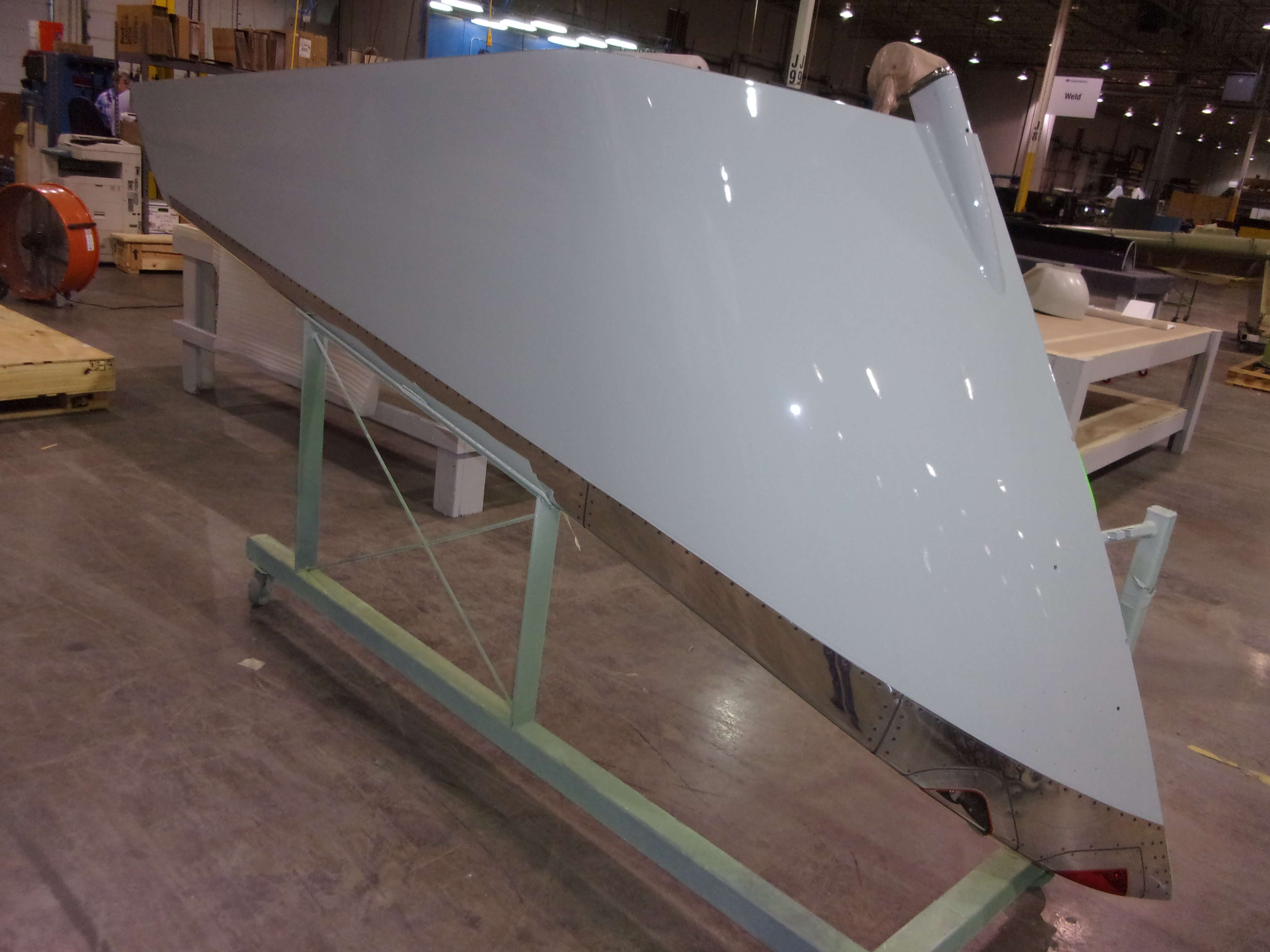 Final inspection picture of a B737 winglet